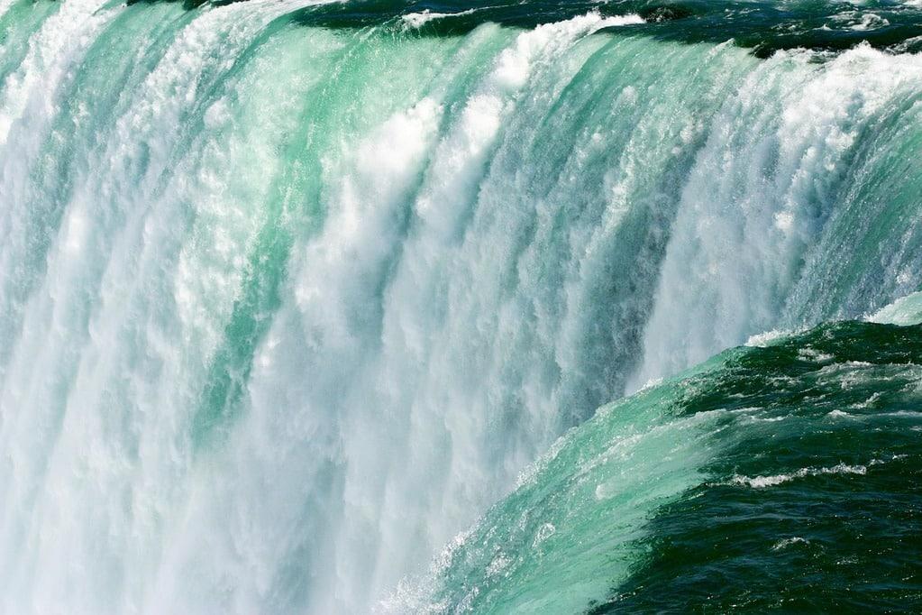 Stage au Canada: Découvre les Chutes du Niagara !